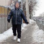Тротуары Барнаула покрылись ледяной коркой: кто и как с этим должен бороться
