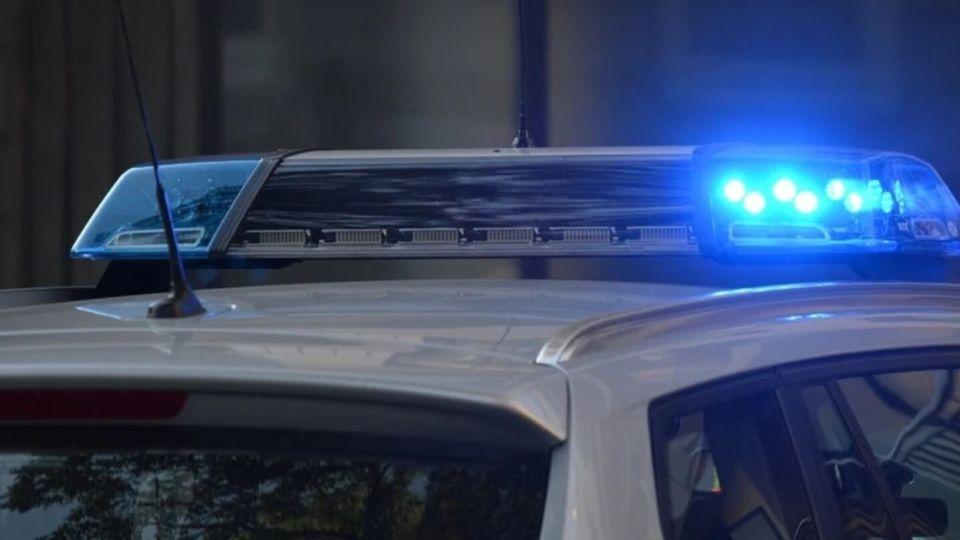 Полиция. Машина. Мигалка