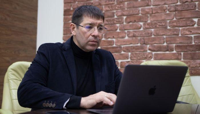 Зачем барнаульский предприниматель продает Россию, отели и другие бизнесы