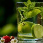 Врач-гастроэнтеролог рассказала, могут ли другие напитки заменить воду