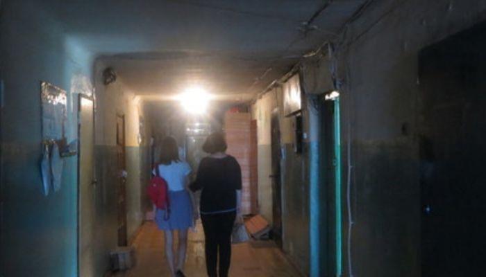 Барнаульская мэрия выселяет на улицу ушедшую из дворников женщину с ребенком