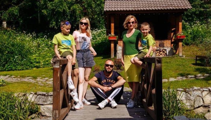 Алтайская многодетная семья снимает сериал о путешествиях по России