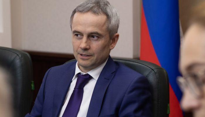 Засиделись: алтайский министр спорта позвал правительство в качалку