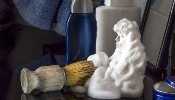Продажи пен для бритья и носков взлетели в два-три раза накануне 23 февраля