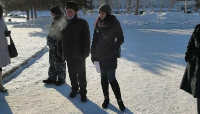 Алтайские коммунисты собрались на месте отмененного властями митинга
