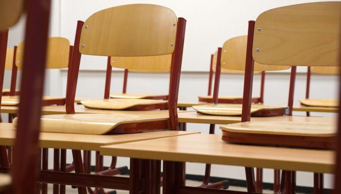 Школьники Таджикистана получили помощь от России в миллион долларов