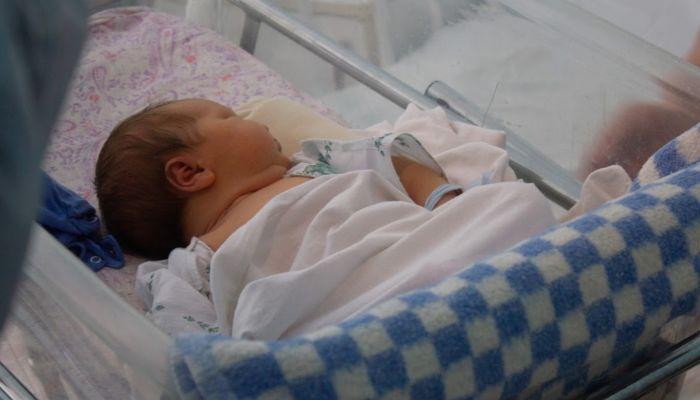 Родные обвинили врачей в подделке документов после смерти младенца в Барнауле