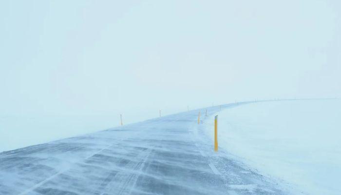 Водители сообщают о переметах и нулевой видимости на трассах Алтайского края