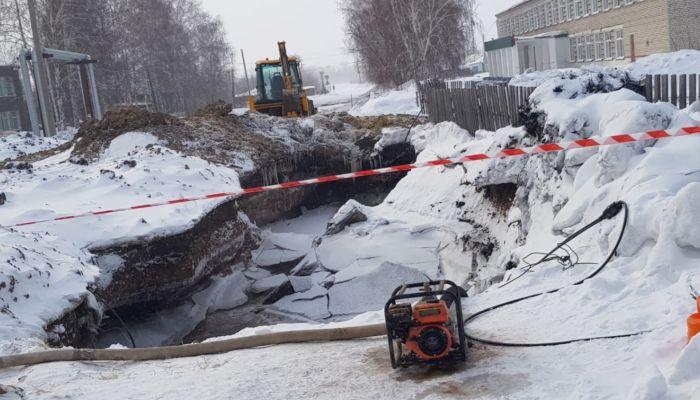 Жители алтайского села Кусак месяц страдают из-за перебоев с водой