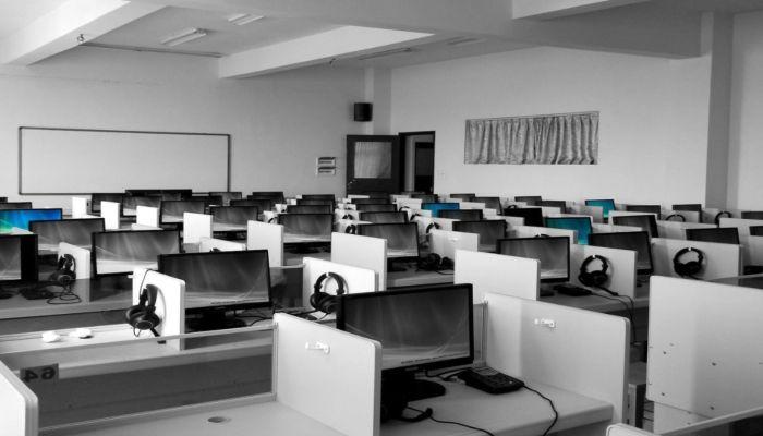 Российским школьникам упростят экзамены из-за пандемии
