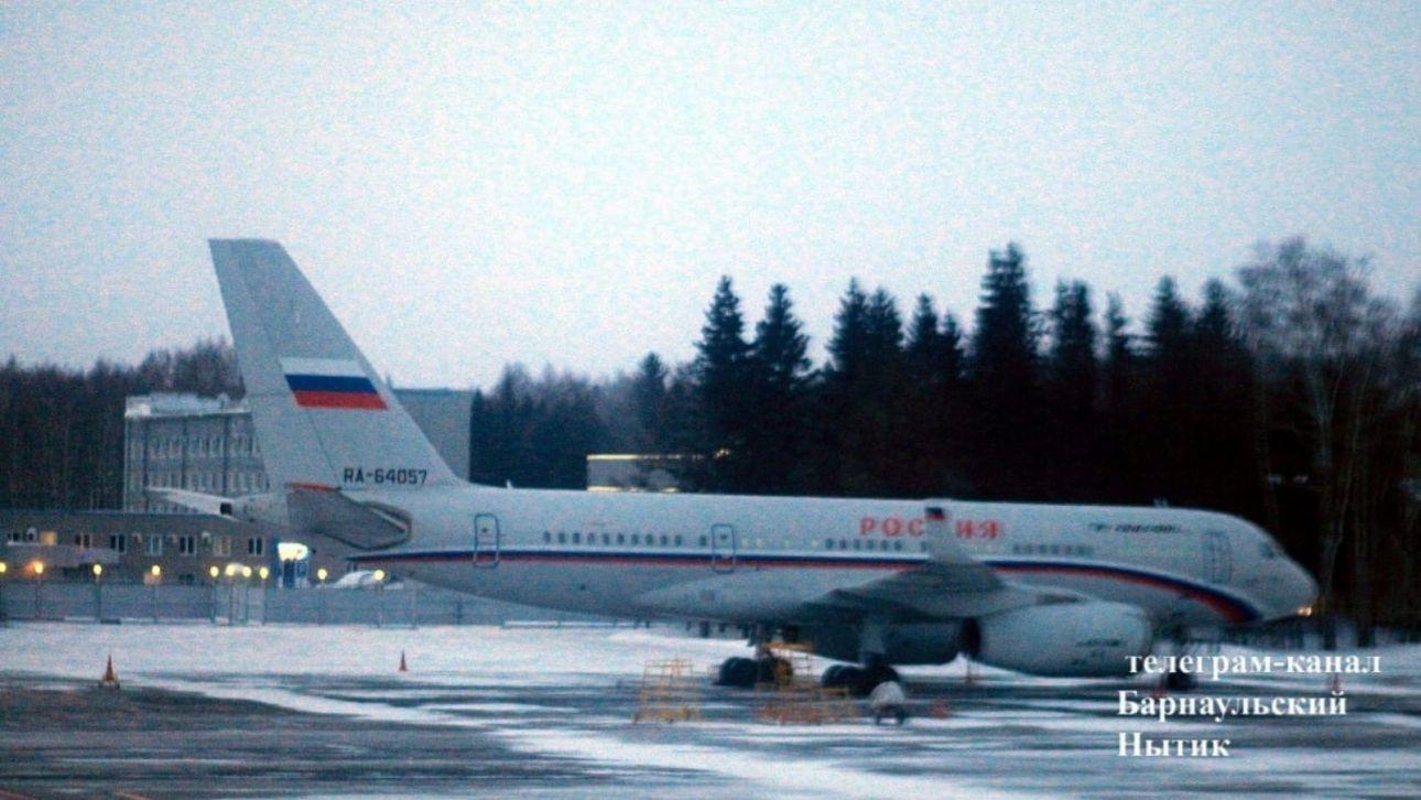 Соцсети: в Барнаул перед визитом Мишустина прибыл борт управделами президента
