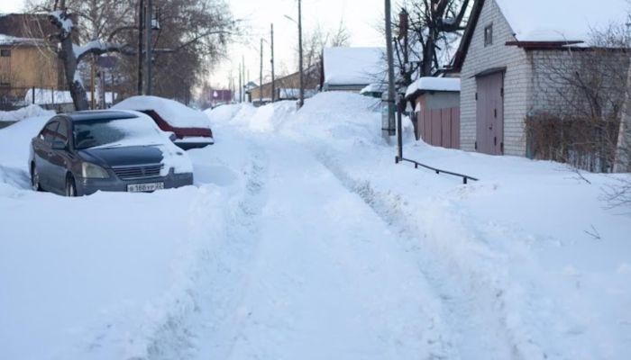 Бийчане засыпали губернатора жалобами на неубранные от снега улицы