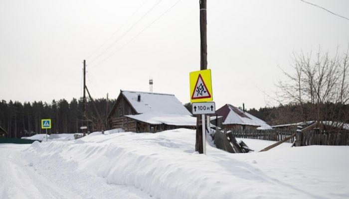 Умирает село: жители алтайской деревни боятся остаться без школы, ФАПа и клуба