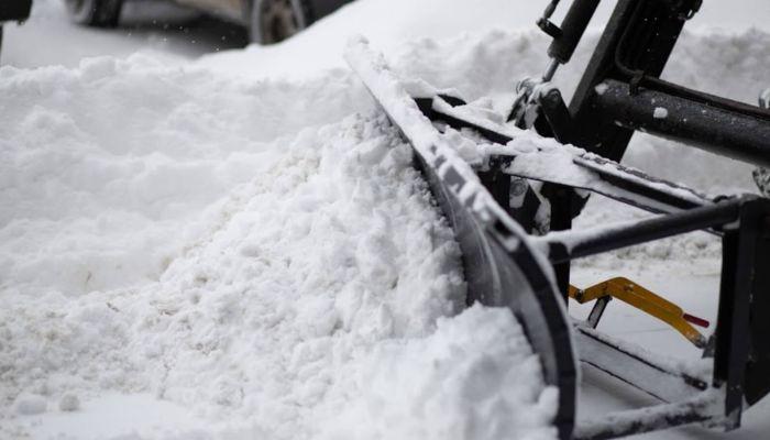 На Алтае дорожники спасли десятки машин, попавших в снежный плен на трассе