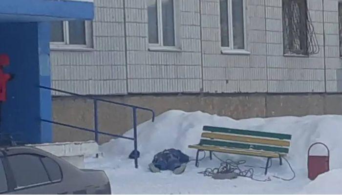 В Сибири промышленный альпинист разбился при падении с девятого этажа