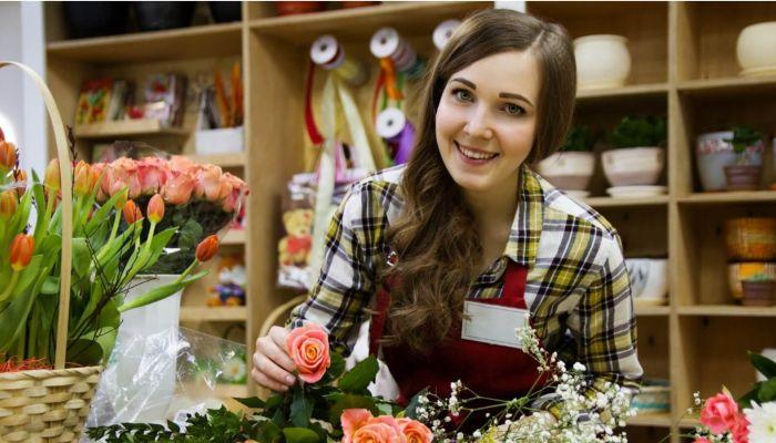 Цены на цветы перед 8 Марта рекордно выросли в России