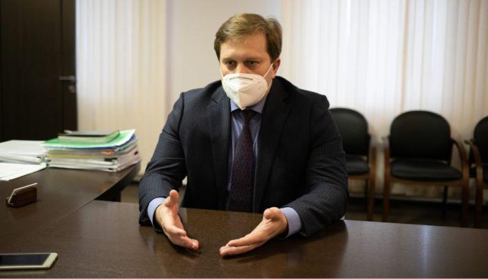 Министр: города и села Алтайского края примерно одинаково обеспечены врачами
