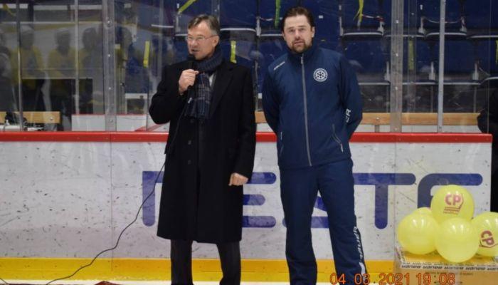 Алтайский депутат поможет юным хоккеистам съездить на игры в Москву