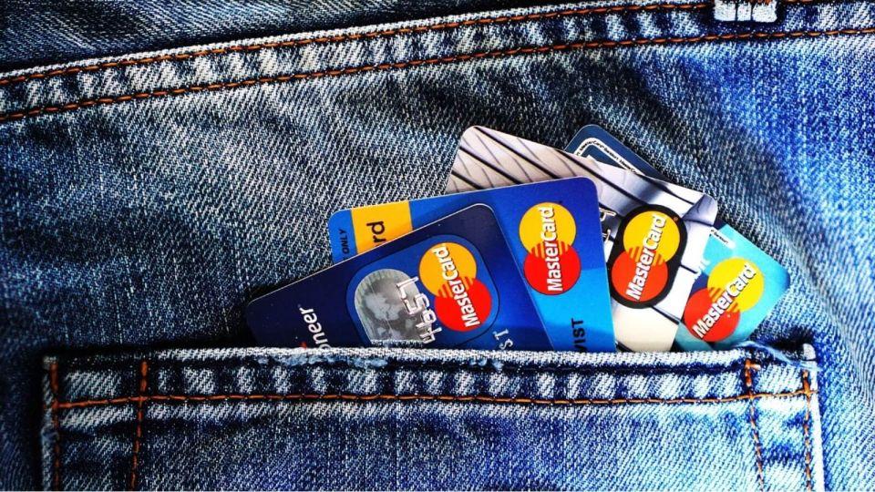 Кредитные карты. Мошенники. Деньги