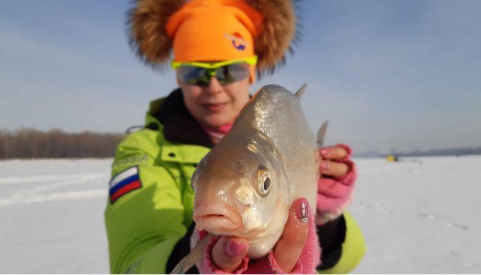 Первый канал показал сюжет о барнаульских рыбачках 8 марта