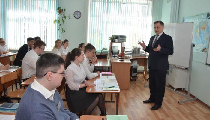 Алтайский край поставили на второе место в России по качеству проведения ЕГЭ