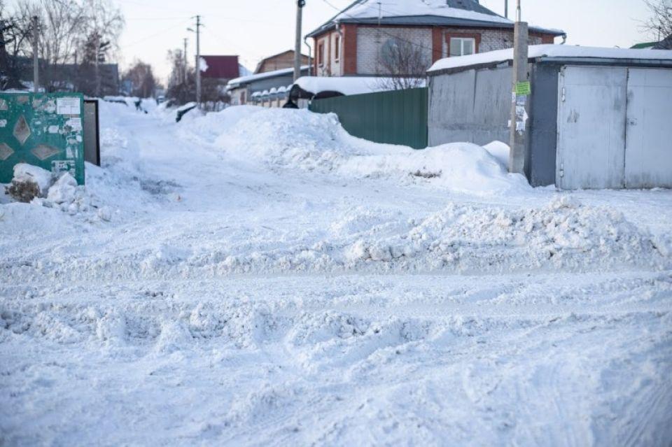 Завалило по самые крыши: метеорологи рассказали, когда в крае закончится снег