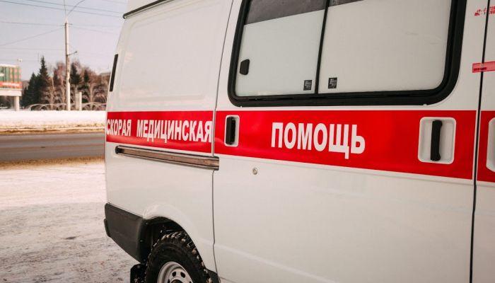Выпавший с 16-го этажа дома в Барнауле парень умер в больнице