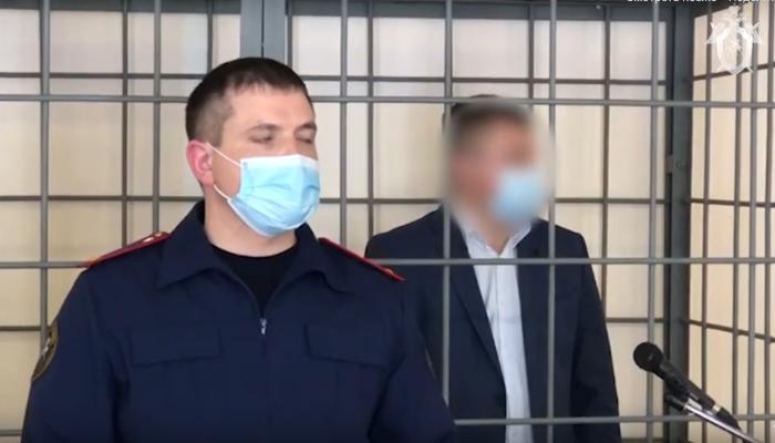 Главу алтайского минздрава отправили в СИЗО по делу о взятках