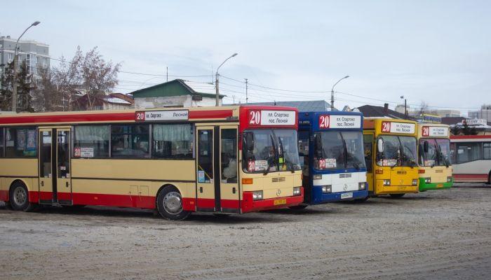 Массовое ДТП в Барнауле нарушило работу пассажирского транспорта