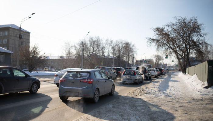 В центре Барнаула ограничат ночную парковку автомобилей
