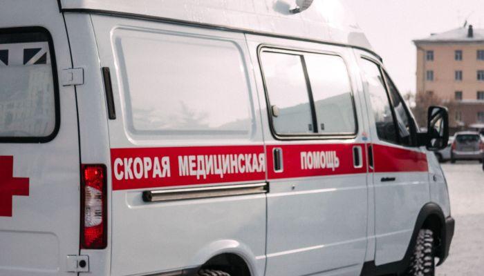 В Барнауле женщина погибла, упав с пешеходного моста
