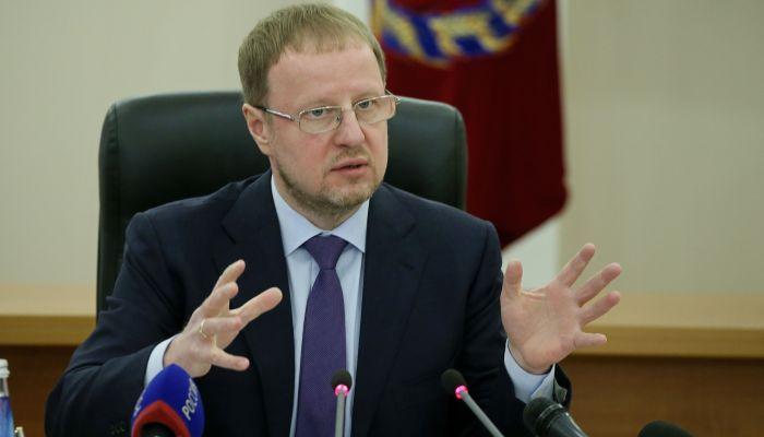 Томенко попросили вмешаться в ситуацию со строительством дома на Гущина