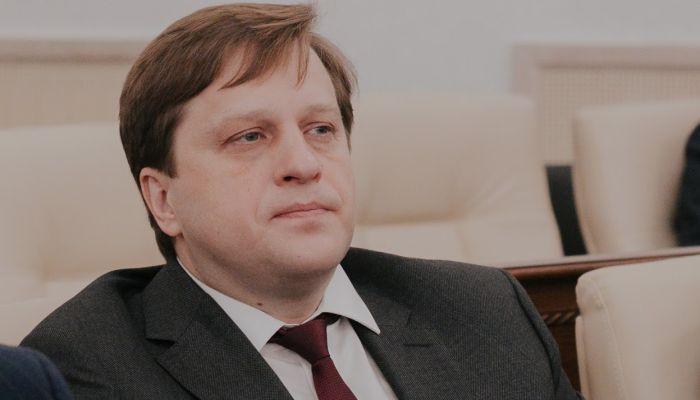 Алтайский министр отказался от медали за борьбу с пандемией