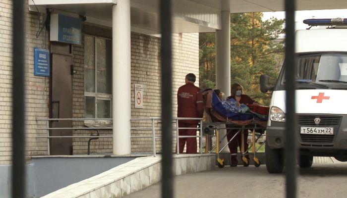 В Алтайском крае не хватает четверти кардиологов и трети инфекционистов