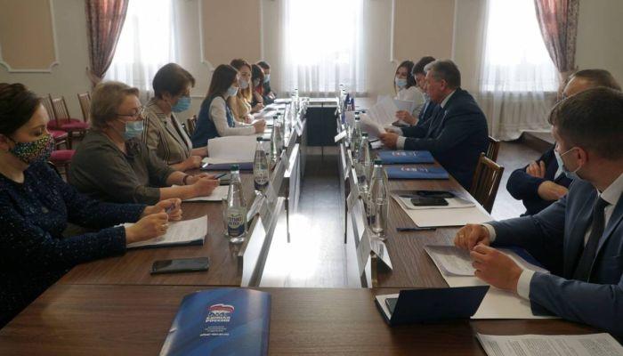 Первые участники праймериз Единой России зарегистрировались в Алтайском крае
