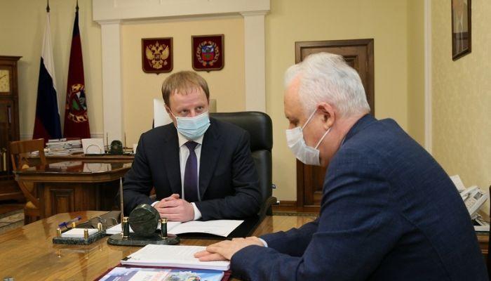 Ожидание скорой и очереди: омбудсмен рассказал Томенко о жалобах жителей края