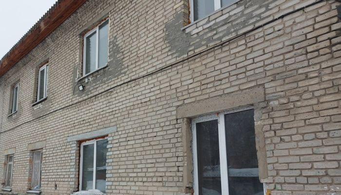 Жители маневренного дома Барнаула объяснили, почему к ним пришла прокуратура