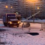 Барнаульские коммунальщики залатали дыру в асфальте на Попова