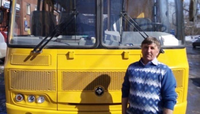 Районы Алтайского края получили 25 новых школьных автобусов