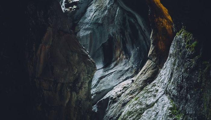 Более 100 пещер обнаружили в алтайском районе