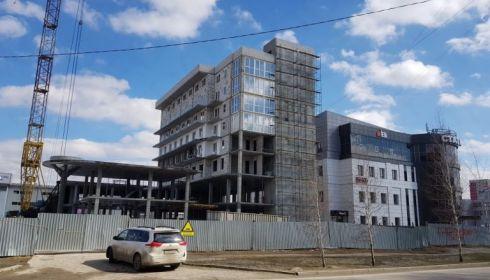 Суд не стал признавать застройщика апарт-гостиницы в Барнауле банкротом
