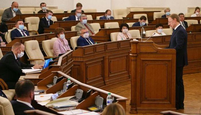 Губернатор Алтайского края отчитается перед депутатами на сессии 29 апреля