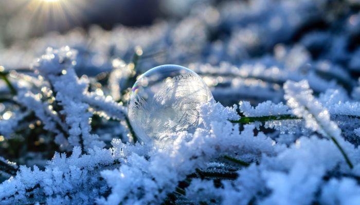Морозы до -18 градусов вернулись весной в Алтайский край