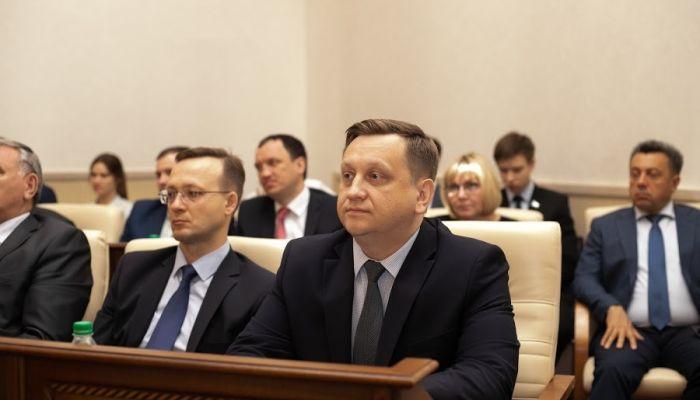 Глава алтайского минобра Костенко 30 марта сдает ЕГЭ вместе с чиновниками
