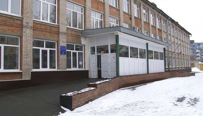 16 школ Барнаула получили сообщения о минировании