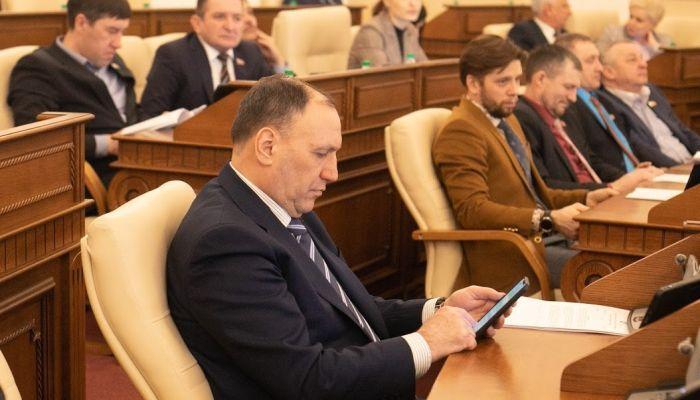 Беглого депутата АКЗС Бушкова арестовали по делу о незаконной рубке леса