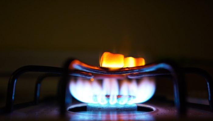 Газпром пригрозил отключить сотни жителей Алтайского края от газа