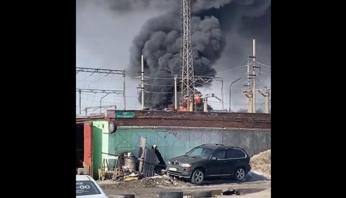 В Новосибирске несколько микрорайонов остались без света из-за пожара подстанции
