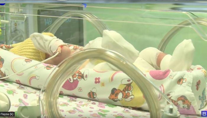 Мать бросила новорождённую девочку-бабочку в роддоме Барнаула
