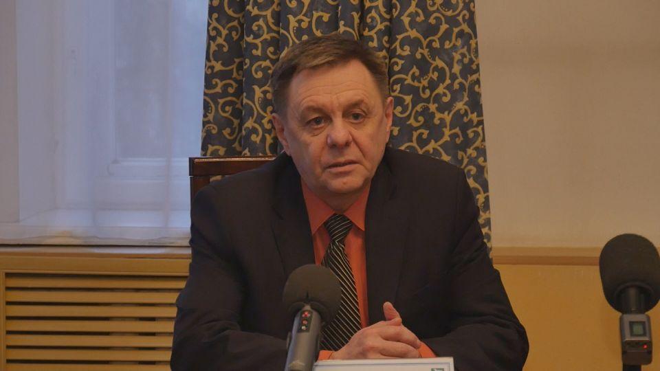 Антон Бенс